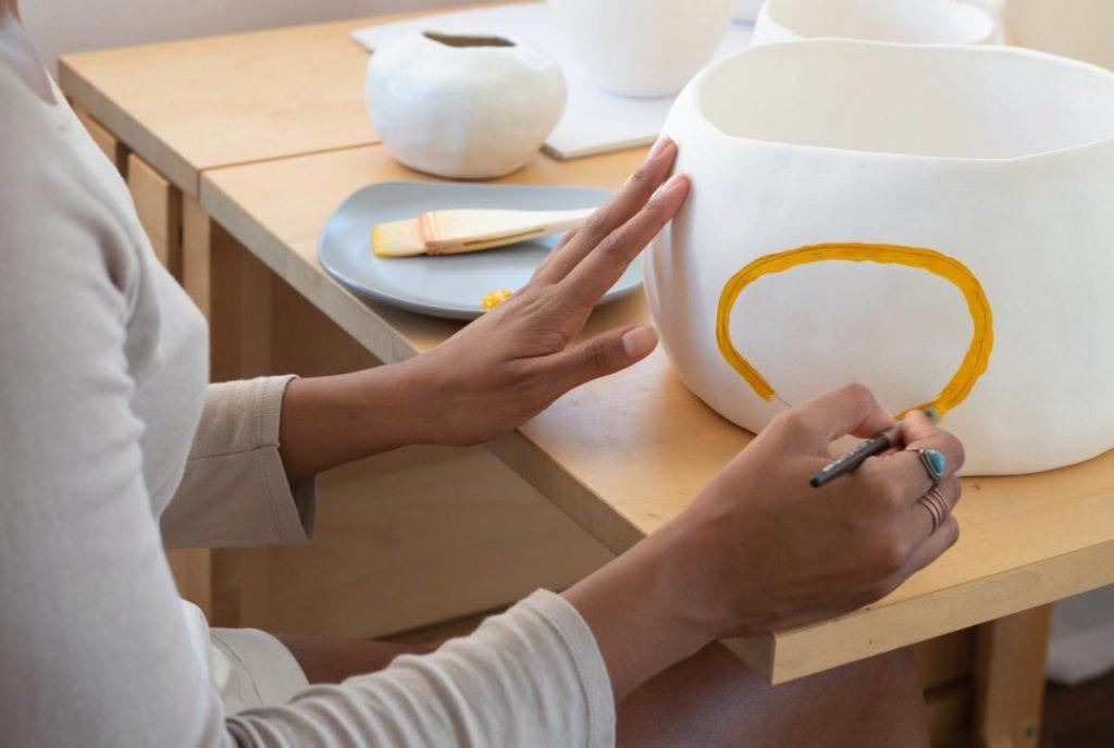 how to paint ceramic pots